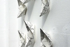 Magic Ships (Serie In between where), Installation Kohle auf Papier, 2016