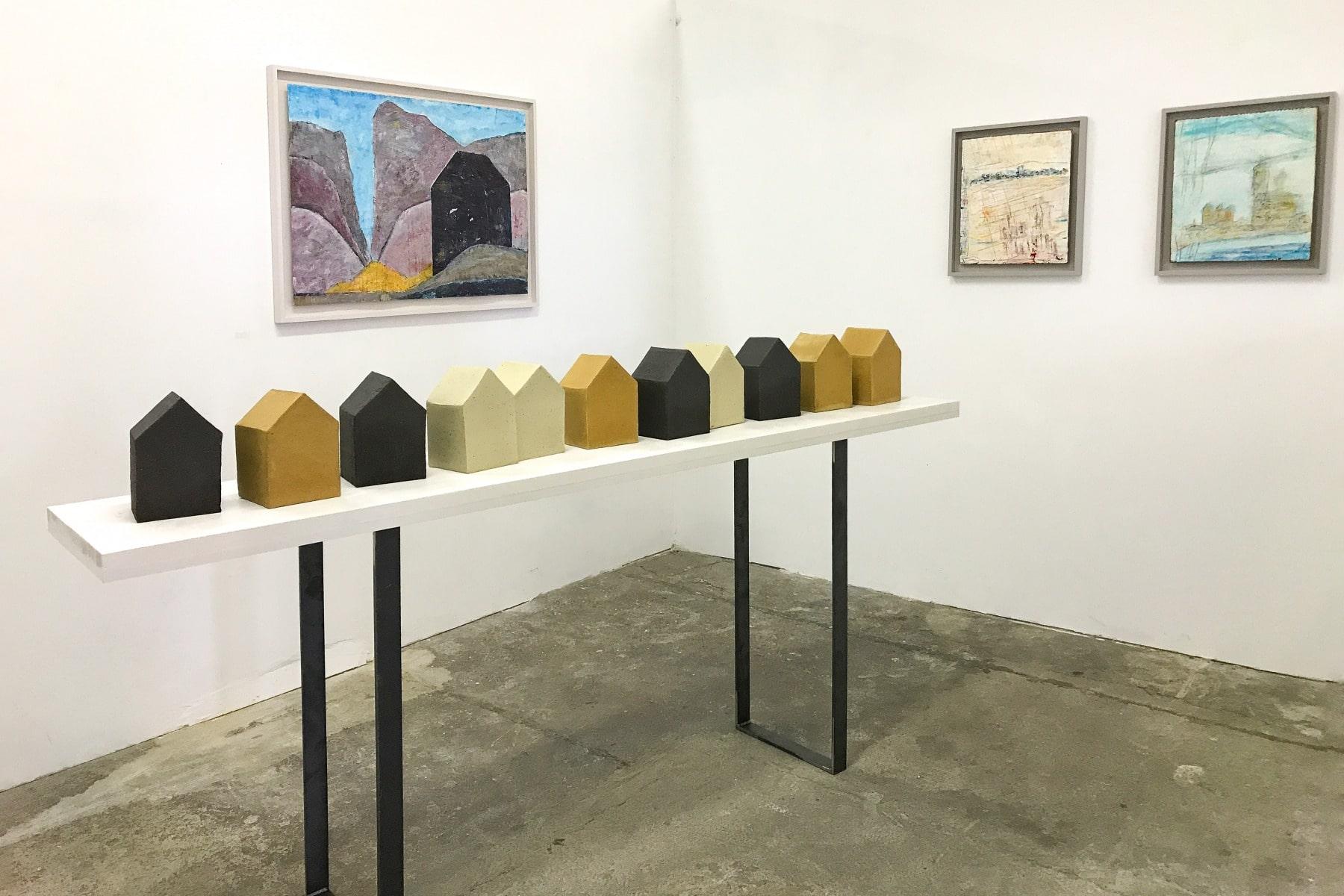Ist es das wovon Du geträumt hast, Installation transformart 2018, Keramik und Arcyl auf Papier/Pappe, 2018